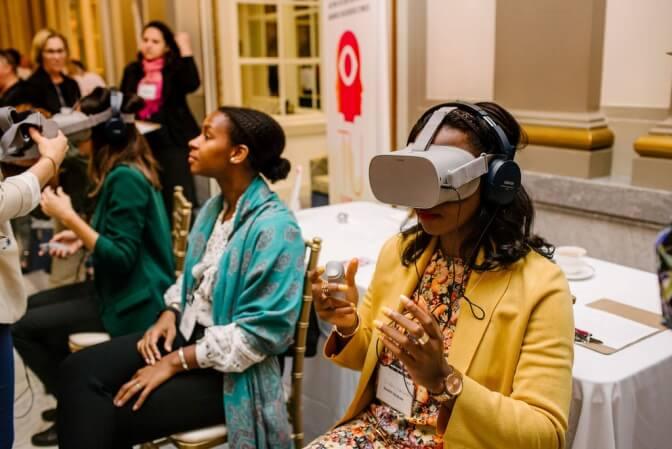 Le kiosque de réalité virtuelle du programme d'employabilité « Tu viens d'où? » du Y des femmes de Montréal